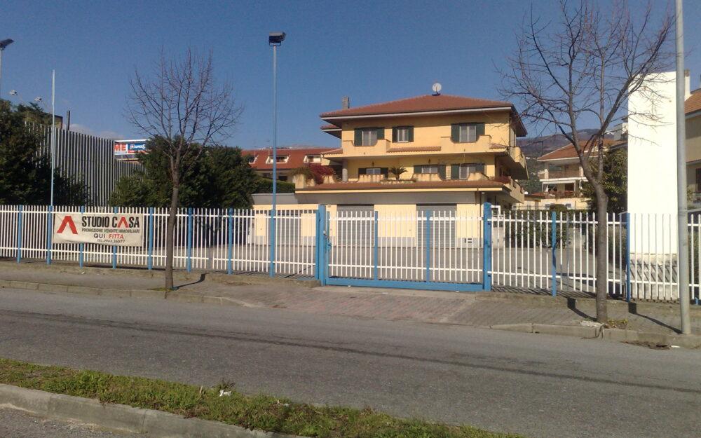 LOCALE COMMERCIALE- VIA SCARPINO-NICASTRO