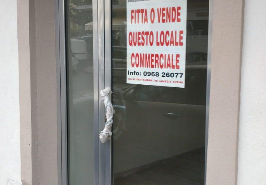 LOCALE COMMERCIALE-VIA CROCEFISSO-NICASTRO